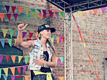 Зумба марафон посылает приветствие RIO