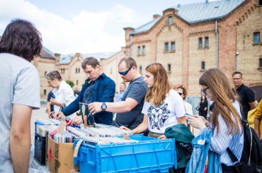 Tomorrow in Spikeri quarter will happen the last Riga Flea Market of this season